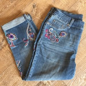 Chicos | Paisley Embroidered Girlfriend Crops